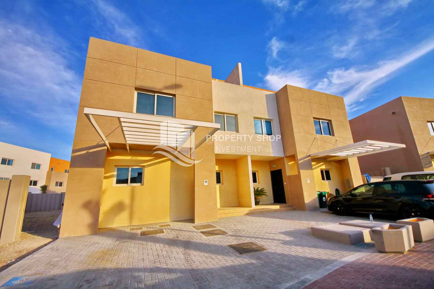 Contemporary Style Al Reef Village