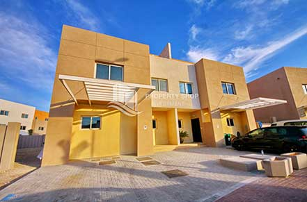 3 BR VILLA CONTEMPORARY VILLAGE AED 118K