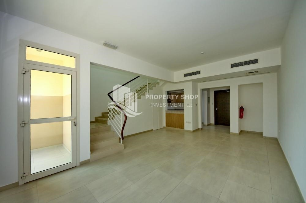 2 bedroom townhouse for sale in al ghadeer al ghadeer for 2 bedroom townhouse