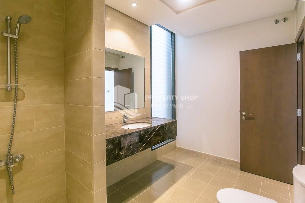Bathroom-5BR luxurious townhouse for rent.
