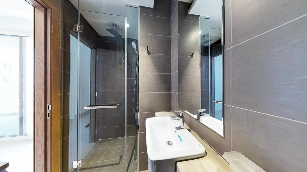 Bathroom-2br first class finishing with sensational views of the canal & sea