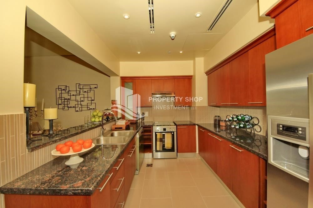 Kitchen-1Br With Outstanding Layout .