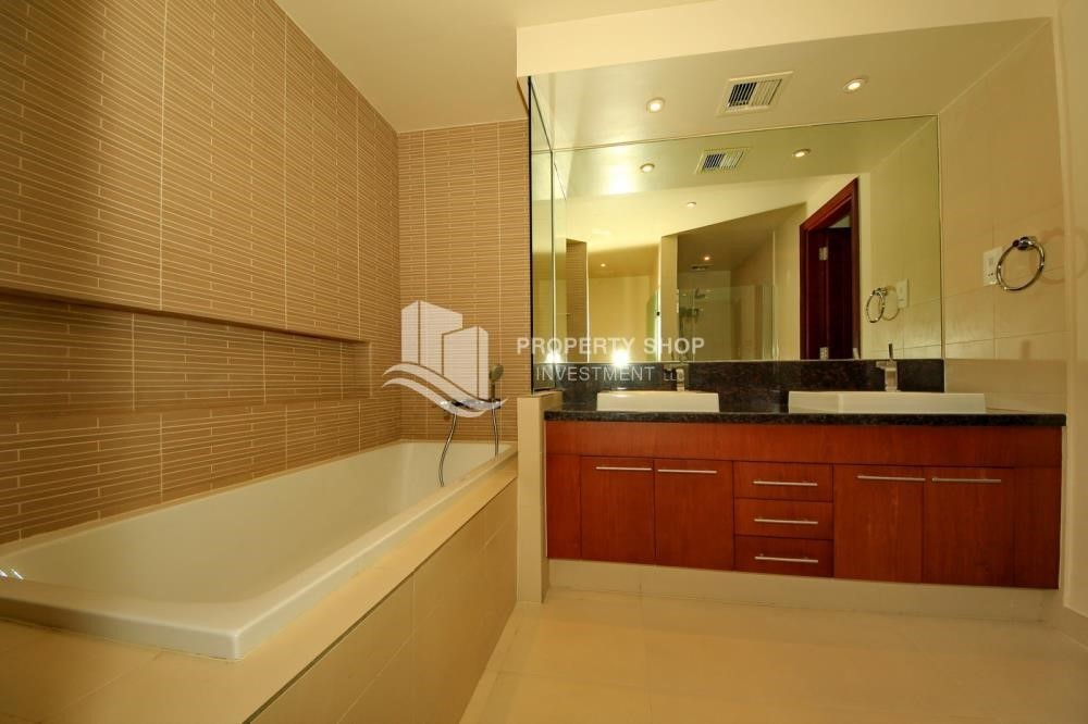 Bathroom-1Br With Outstanding Layout .