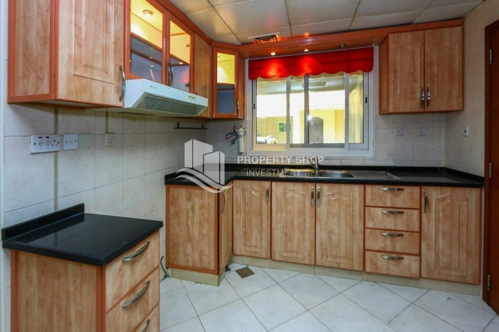 Kitchen-Luxurious 4+M BR Villa with 4 Parkings.