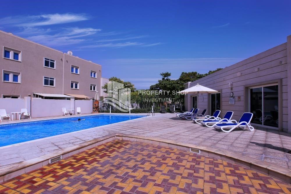 Facilities-Single row 3 Bedroom Villa with terrace.