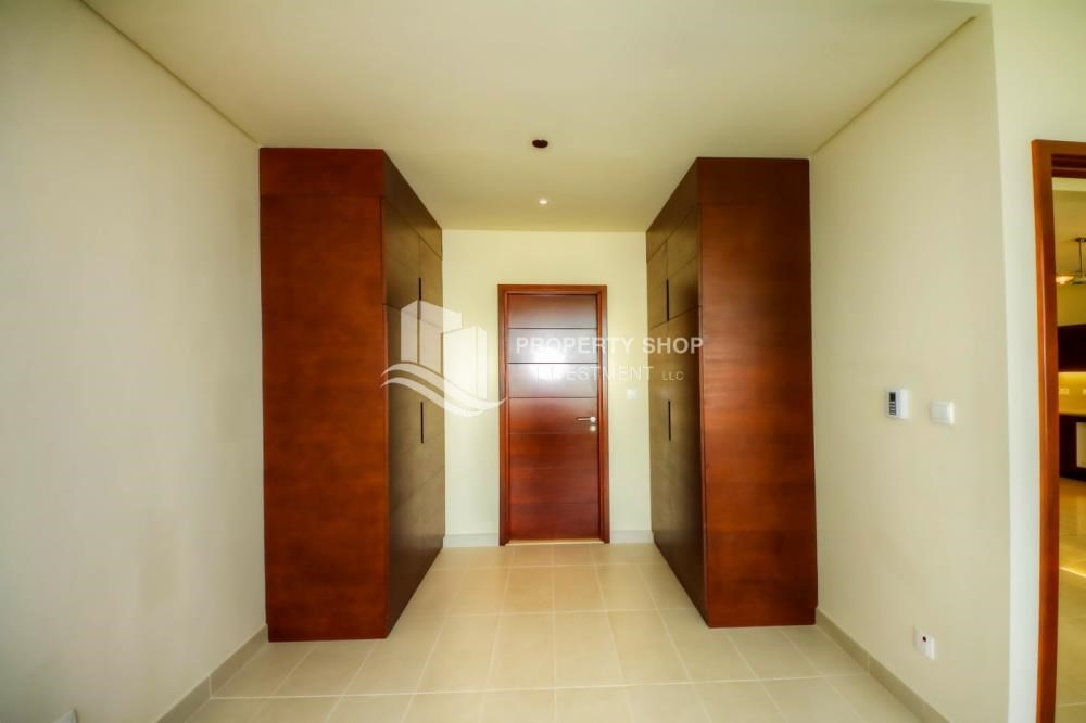 Built in Wardrobe-1 Bedrrom Apartment in spectacular view FOR RENT