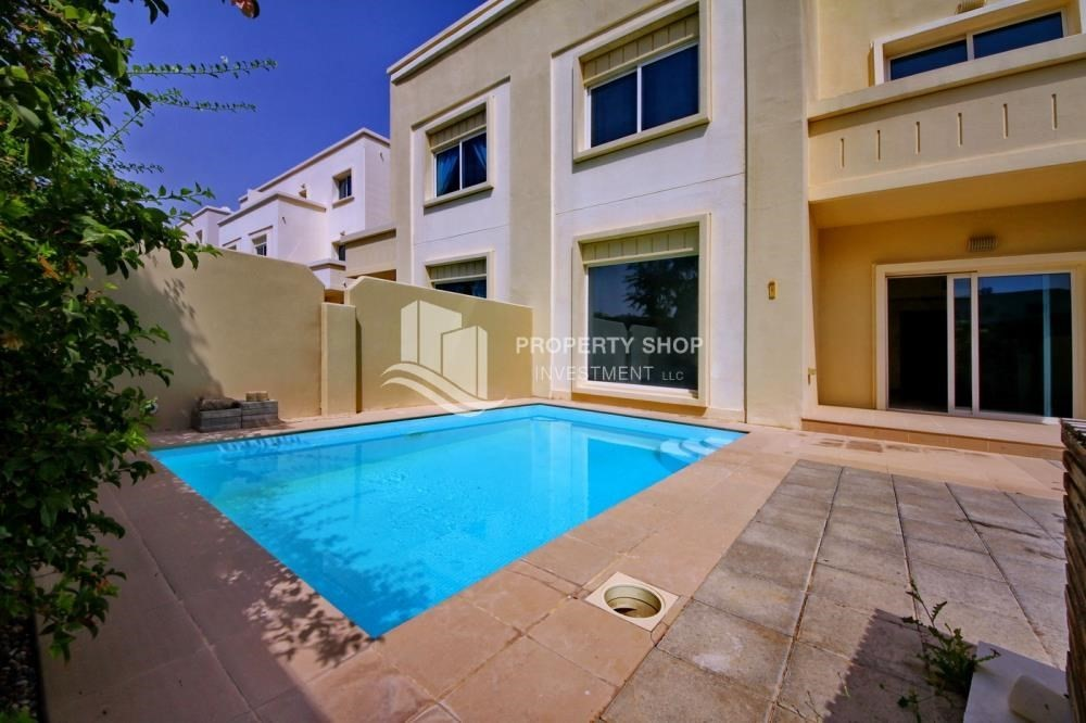 Facilities-Huge villa with Pvt pool and maid's room.