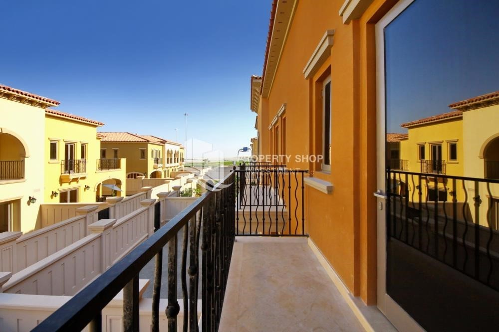 Balcony-Huge 4Bedroom Villa in Saadiyat Island.