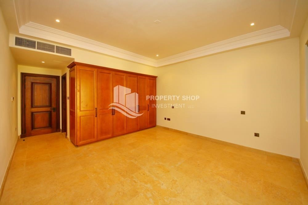 Bedroom-Huge 4Bedroom Villa in Saadiyat Island.