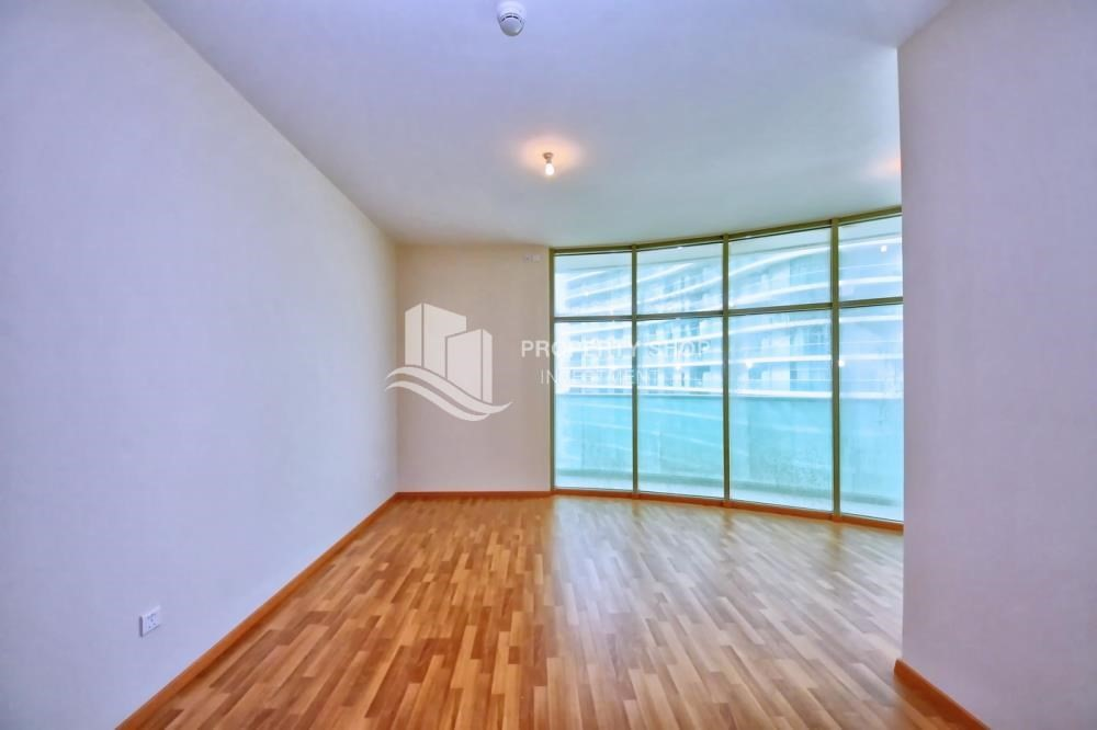 Living Room-High floor Apt with full facilities