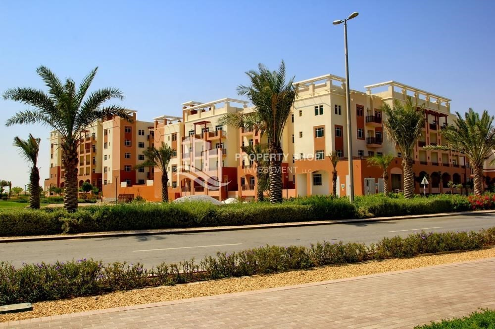 Community-Studio apartment for sale in Al Ghadeer