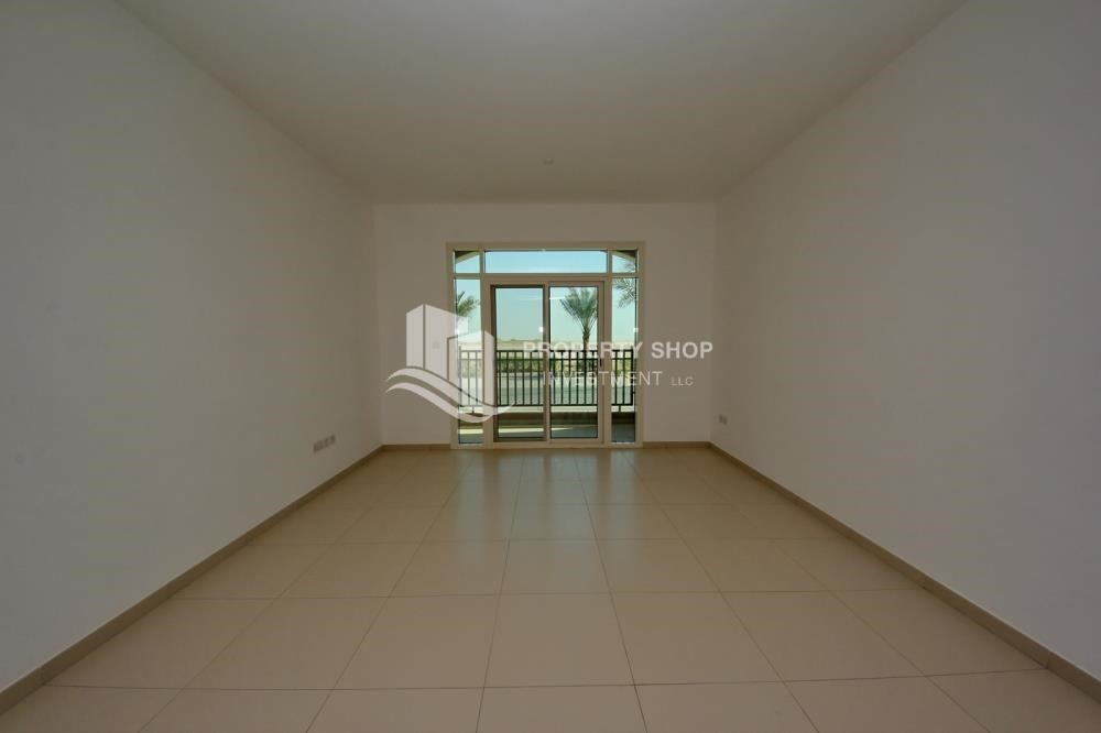 Living Room-Studio apartment for sale in Al Ghadeer