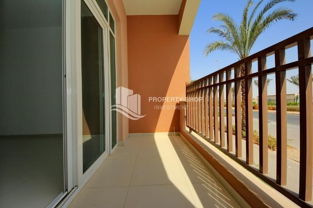 Balcony-Amazing value for Studio Apt with Terrace for sale.