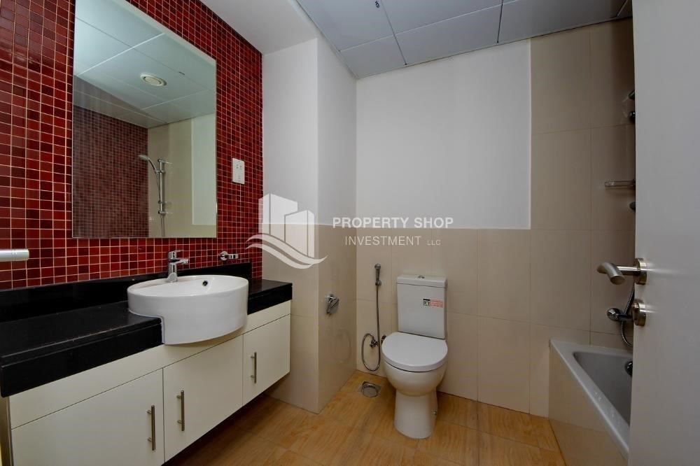 Bathroom-Amazing value for Studio Apt with Terrace for sale.