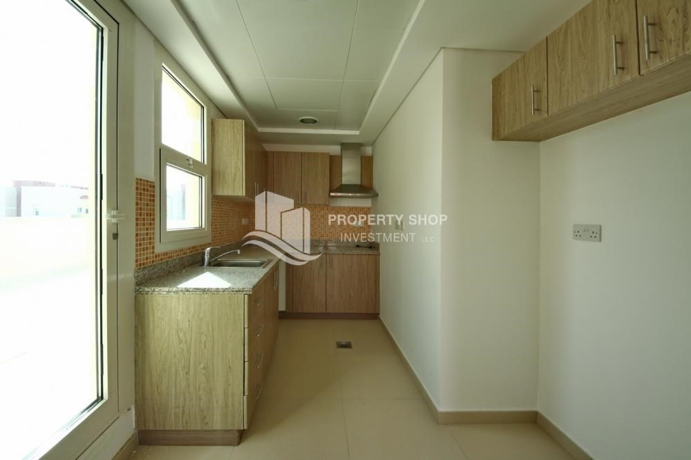 Kitchen-Vacant Studio with Full facilities.