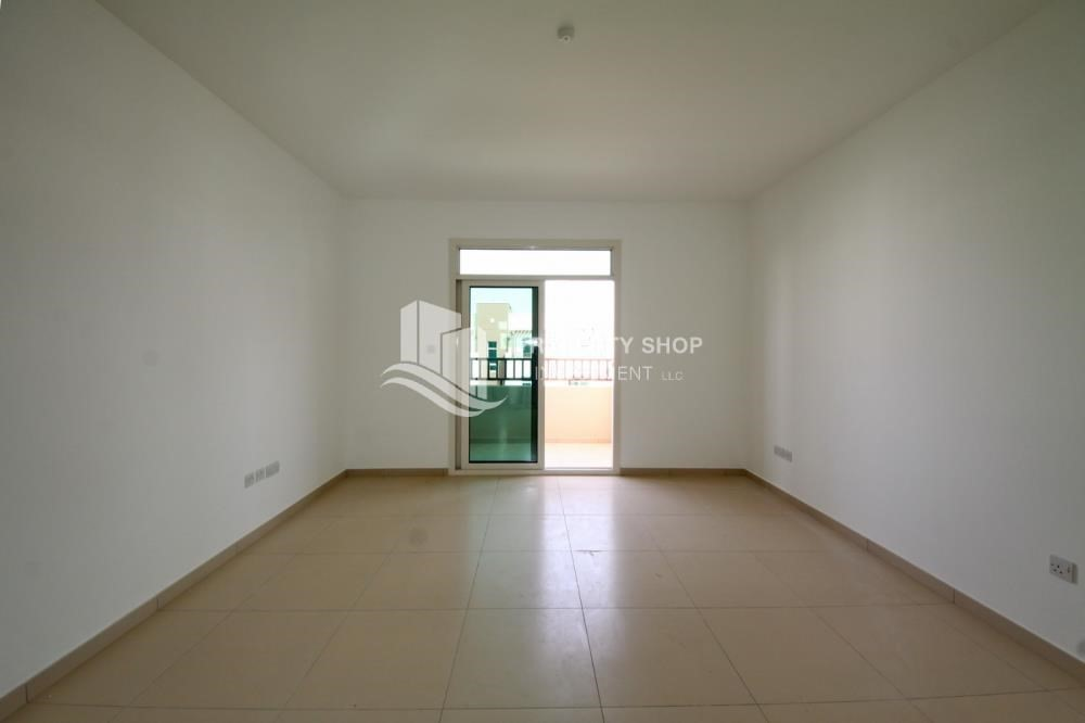 Living Room-Vacant Studio with Full facilities.