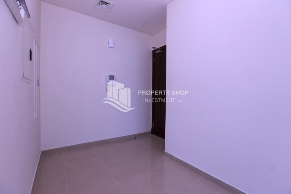 Foyer-Studio apartment available for sale with high ROI