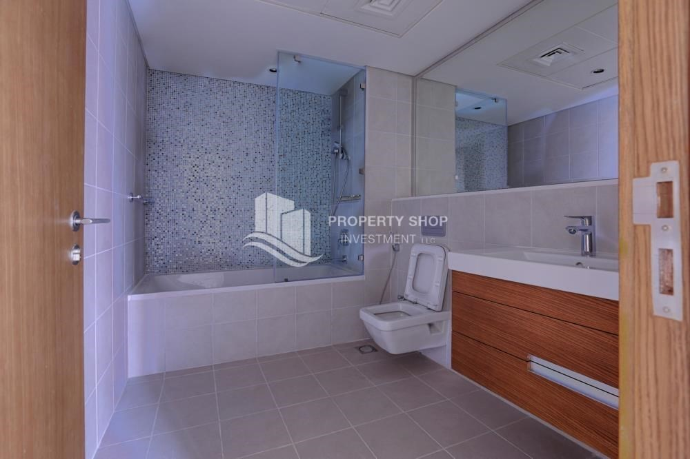 Bathroom-Furnished 1 bedroom on a high floor. Ready to move in