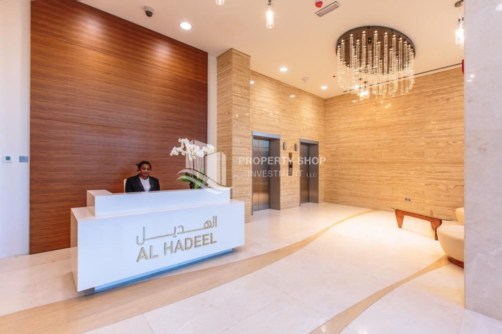 Reception-Rent Refundable on Mid floor with amazing Sea View.