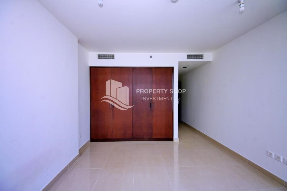 Built in Wardrobe-Vacant soon! Apt for sale in prime location.