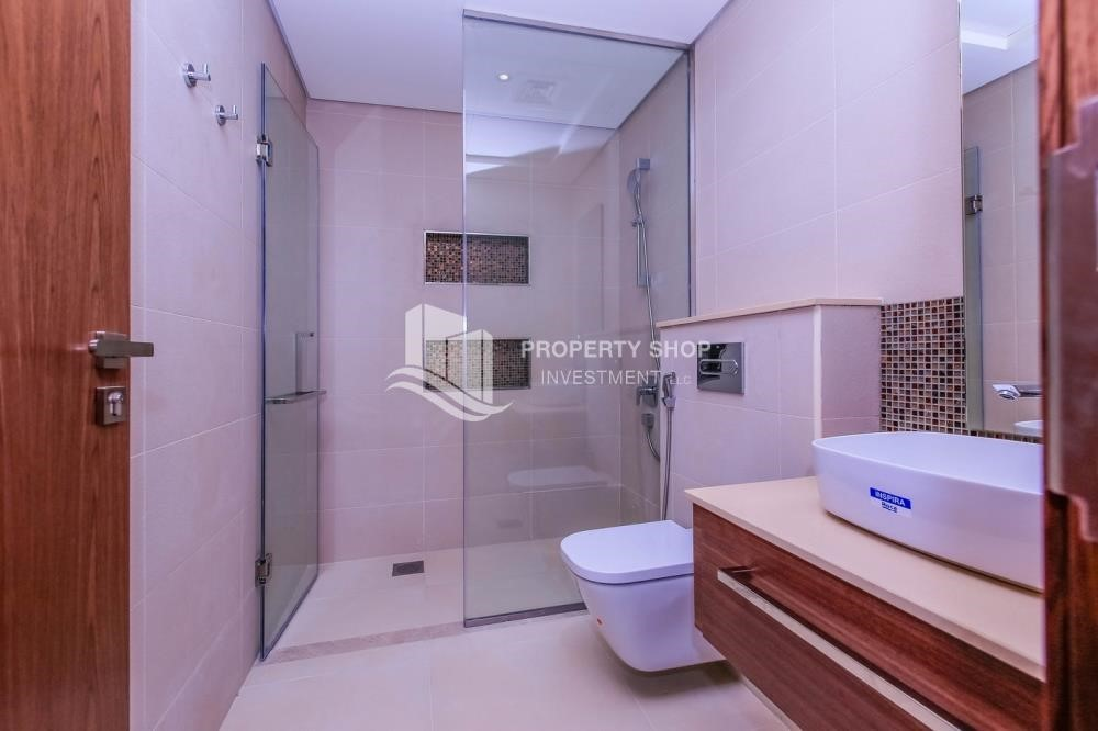Bathroom-Off-plan! Get a chance to own a property in a luxurious community in West Yas