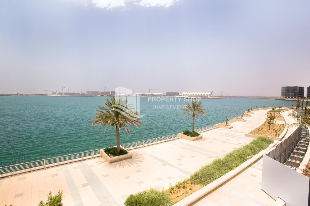 Community-Brand New, 2 Br apartment in Al Raha Beach