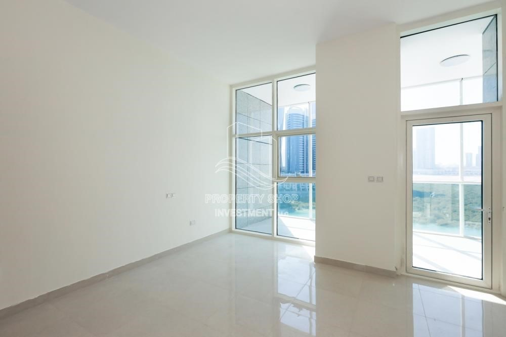 Living Room-Charming location, 1br apartment in Al Reem Island